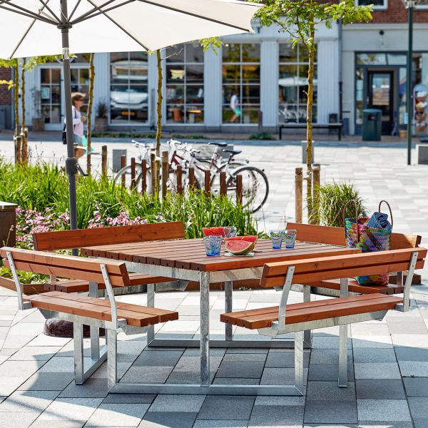 Picknicktisch mit Bänken TWIST & Lehnen