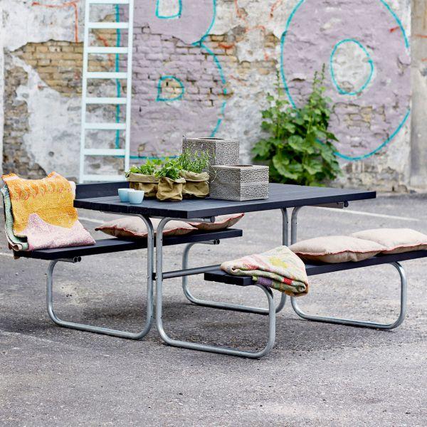 Picknicktisch mit Bänken CLASSIC, Holz & Metall