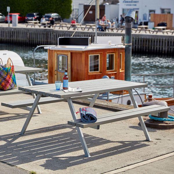 Picknicktisch mit Bänken ALPHA, 6 Plätze