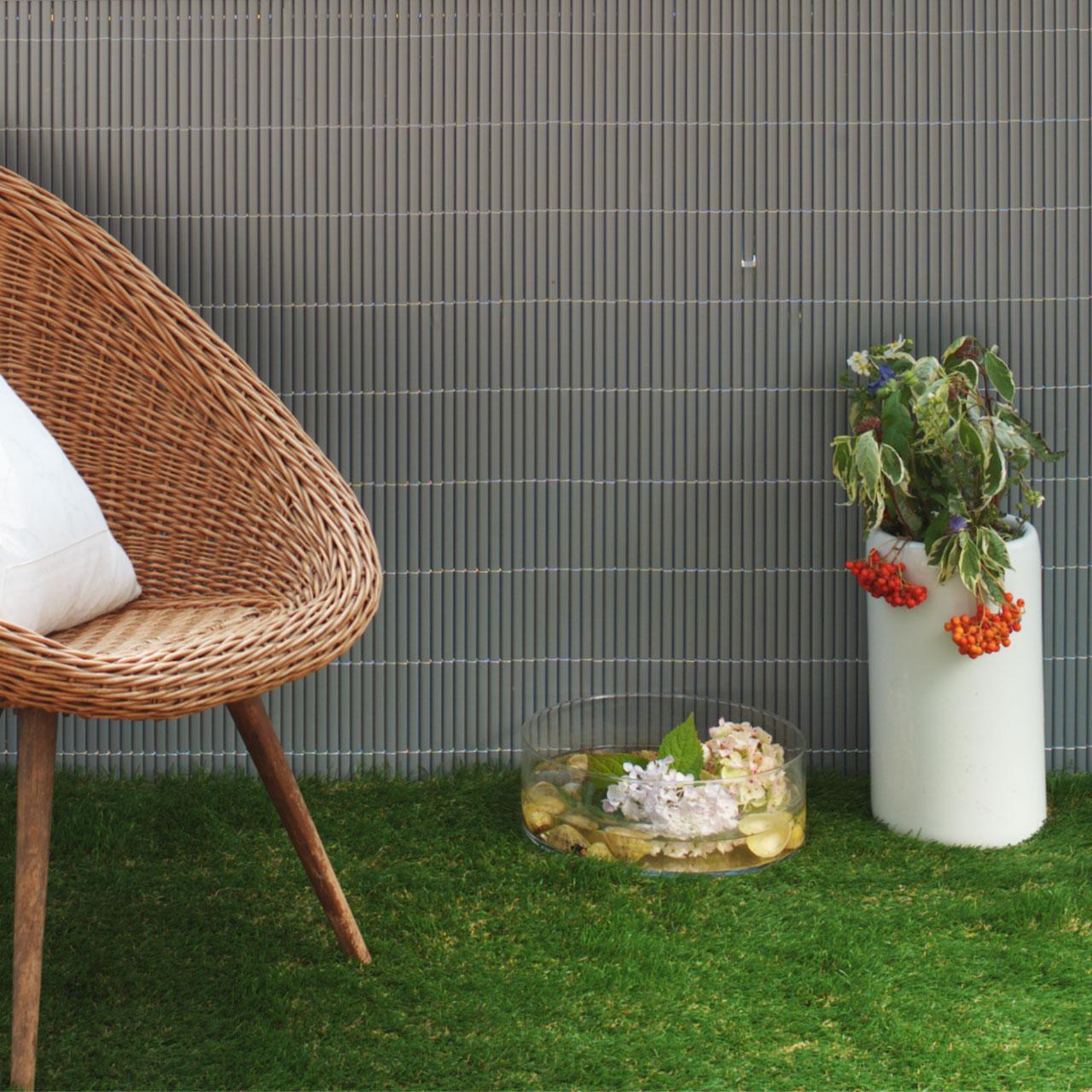 kunstrasen f r balkon dachterrasse. Black Bedroom Furniture Sets. Home Design Ideas