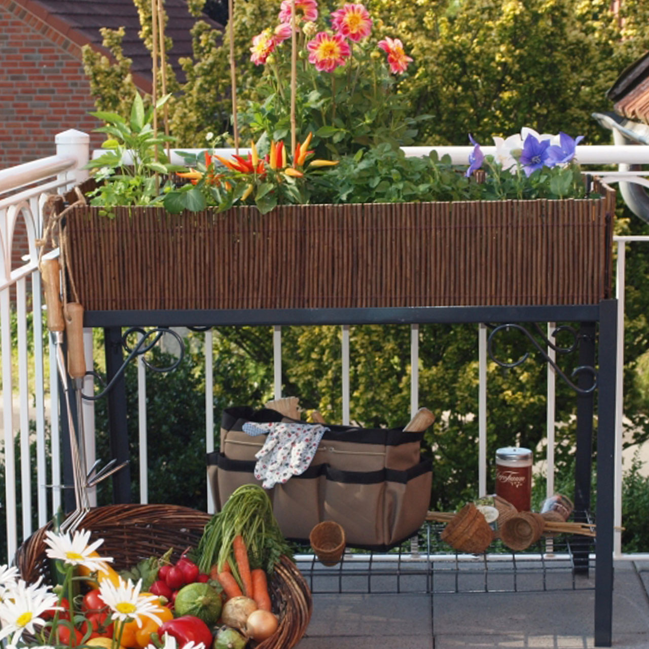 balkon hochbeet natur. Black Bedroom Furniture Sets. Home Design Ideas